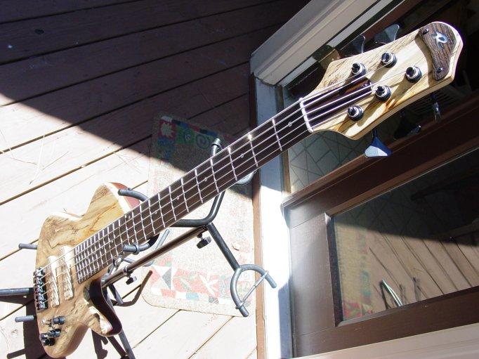 R bass Singlecut 5